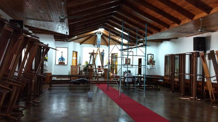 Manos a la obra, comenzamos a restaurar y mejorar la parroquia