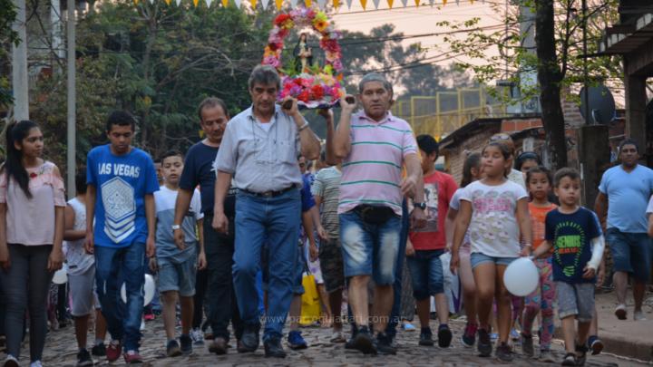 La capilla de Santa Rosa se vistió de colores para festejar sus fiestas patronales
